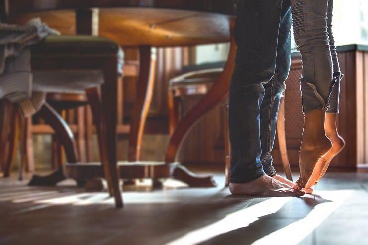 Да живееш с жена – какво не пишат в романите