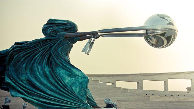 Необичайни съвременни скулптури по света